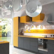 UNIKAT Systemmöbel Küche Gelb.jpg