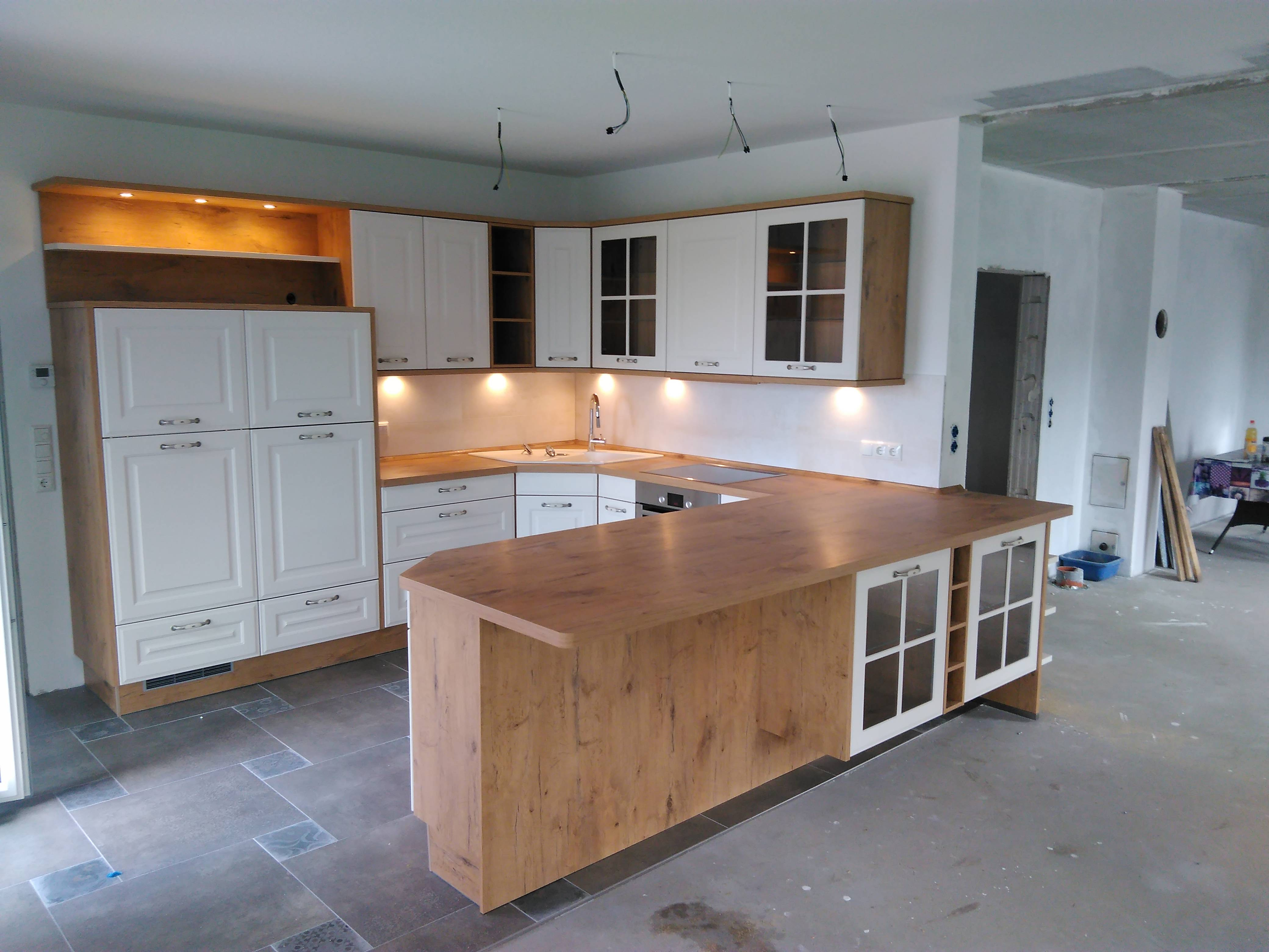 offene Küche inkl. Theke // 2