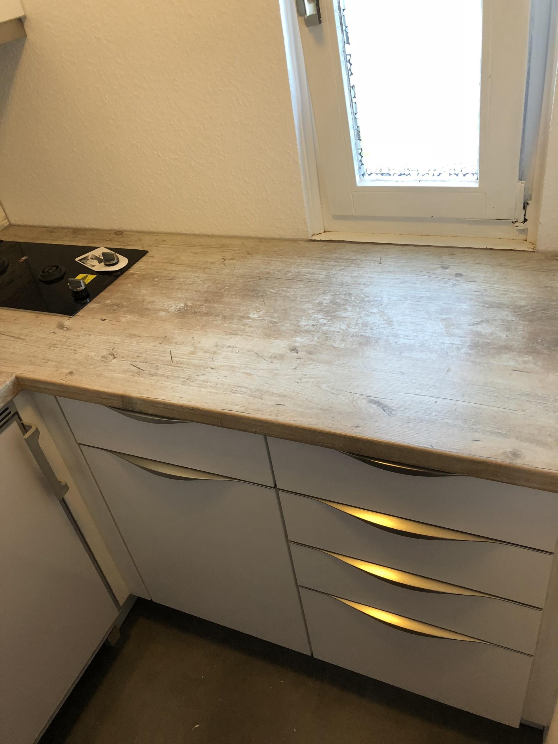 Küche-im-Wohnwagen-Ansicht_2