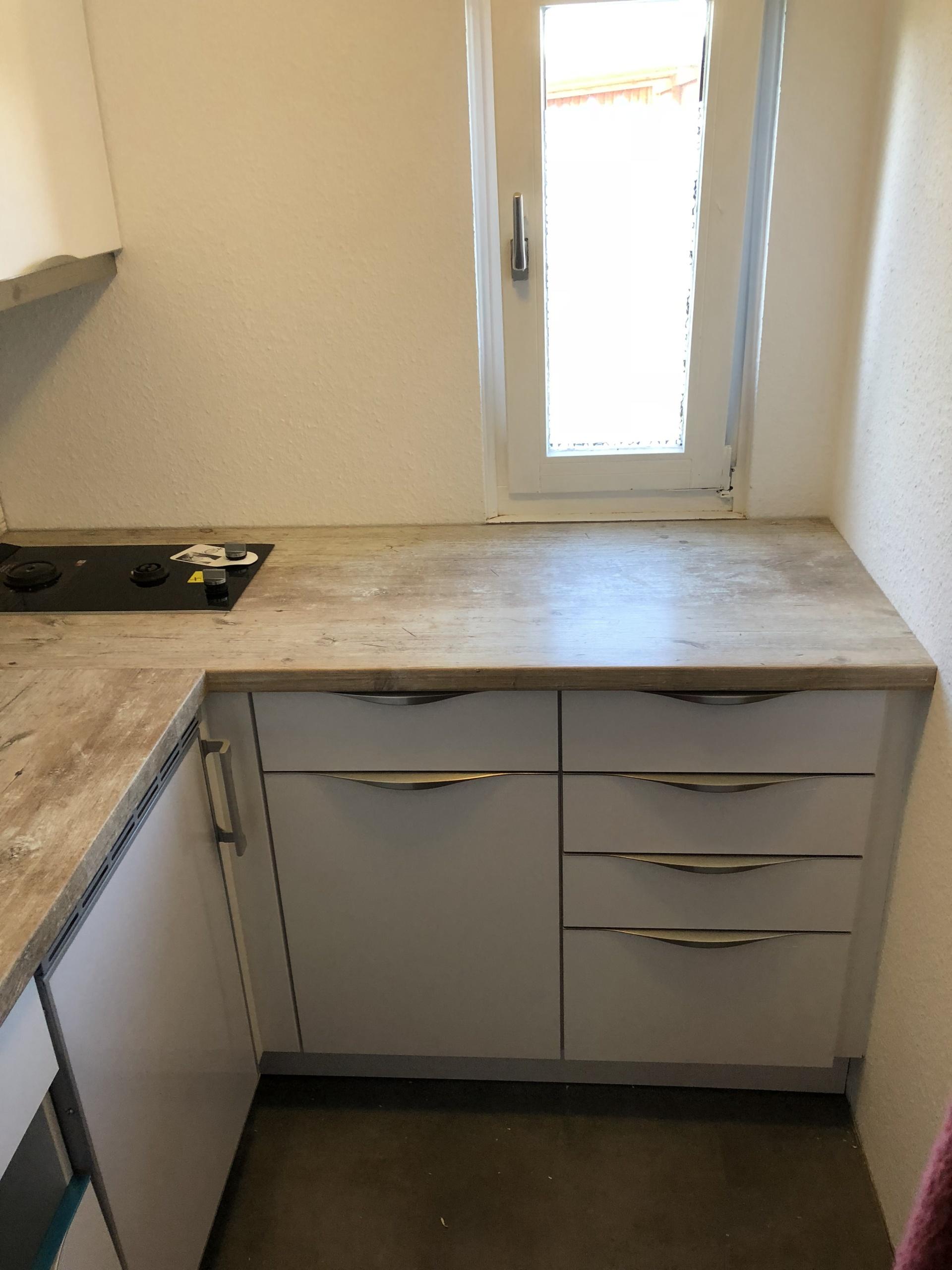Küche-im-Wohnwagen-Ansicht_3