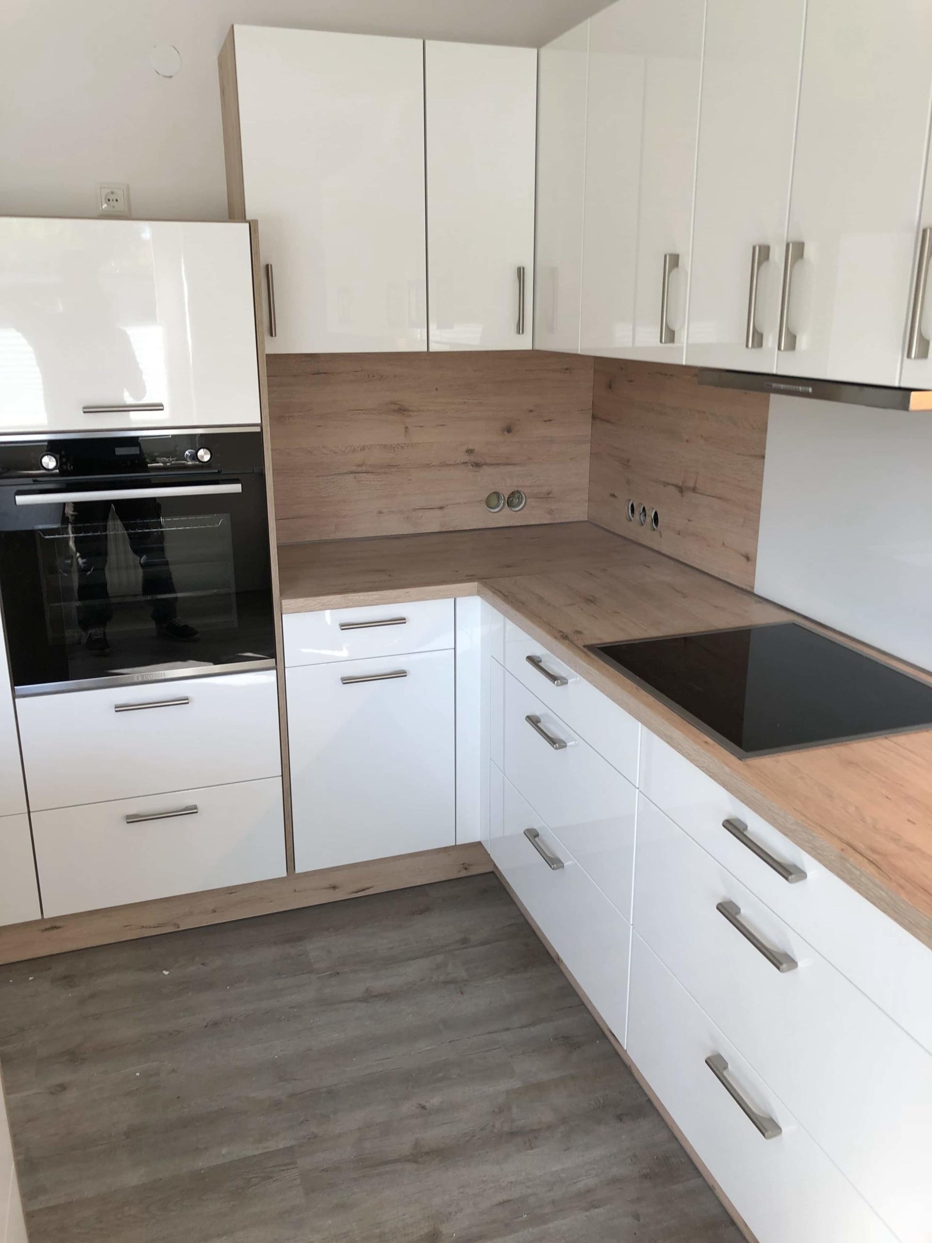 Winkelküche-weiß-hochglanz-lack