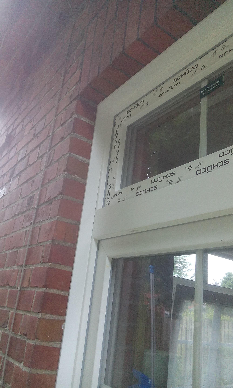 Sprossenfenster mit Oberlicht von außen verleistet