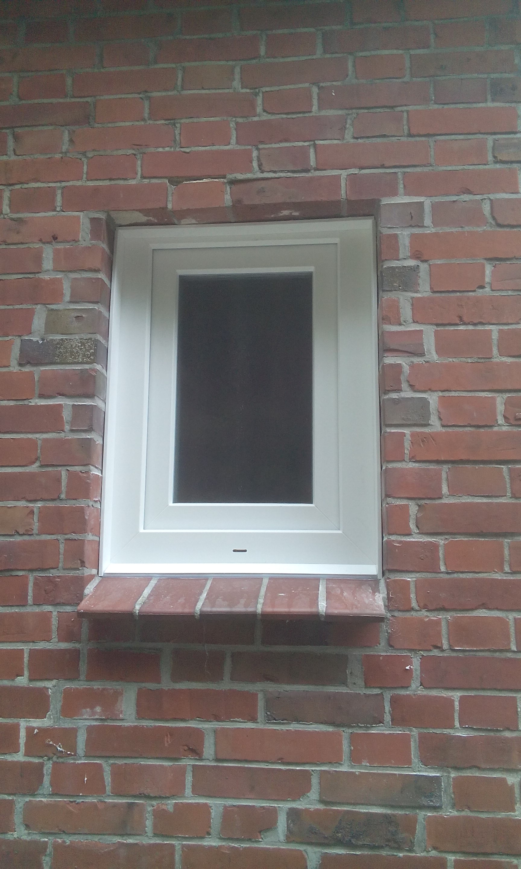Badezimmerfenster mit Chinchillaverglasung