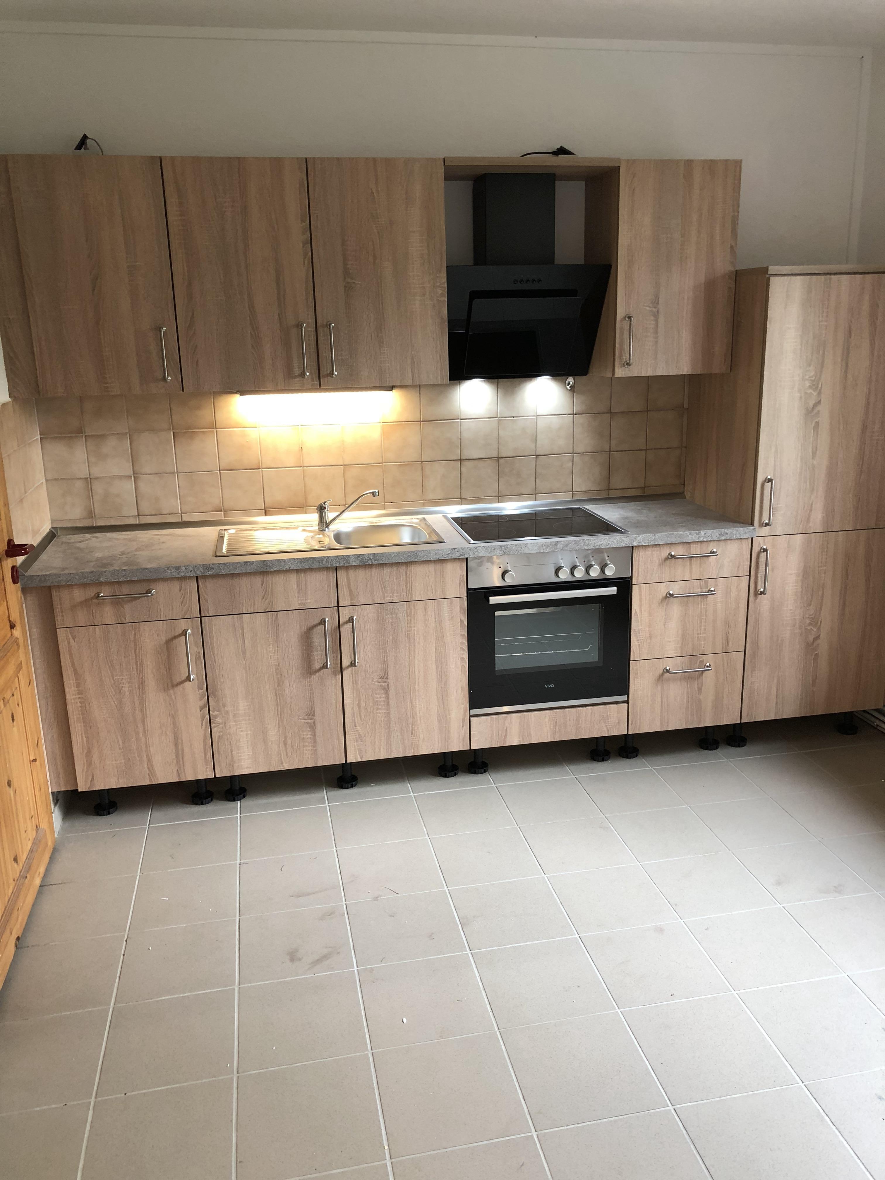 Küchenzeile in Sonoma Eiche-Wohngruppe_1